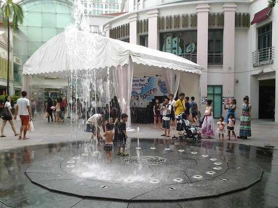 Bugis Street (Singapore) - All You Need to Know Before You