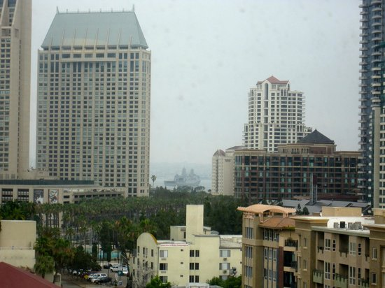 Residence Inn San Diego Downtown/Gaslamp Quarter: View from Room 1015 - see Navy ship in Harbor