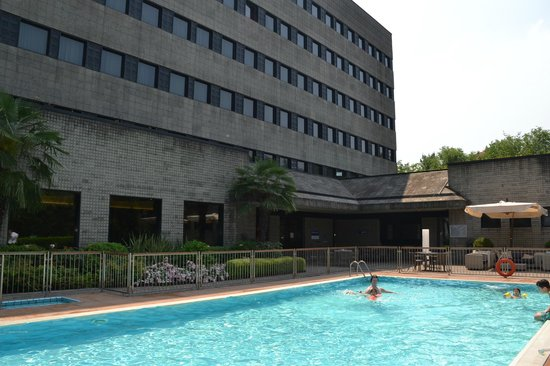 301 moved permanently for Piscina suzzani