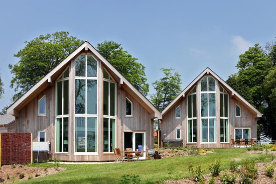 Swandown Lodges