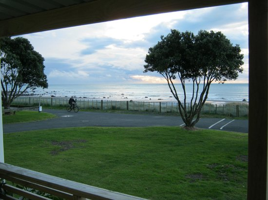 Oakura Beach Holiday Park: View from our living room