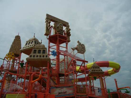 Kids Area Outside Waterpark Picture Of Mt Olympus Resort Wisconsin Dells Tripadvisor
