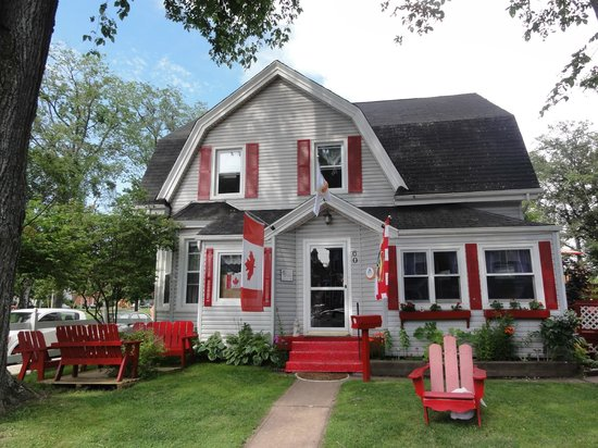 Charlottetown Backpackers Inn: You can't miss the hostel ... it's the only building like it on the street.