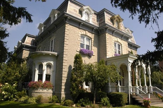 ‪Limestone Mansion Bed & Breakfast‬