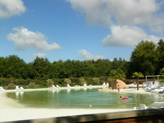 Piscine naturelle picture of camping les chenes de medis for Piscine naturelle prix