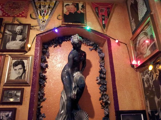 Wall Decor Picture Of Buca Di Beppo Louisville