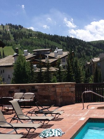 The Chateaux Deer Valley: Pool in the summer