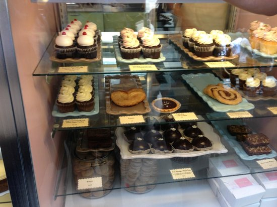 Miette Cakes: Cupcakes and other baked goods