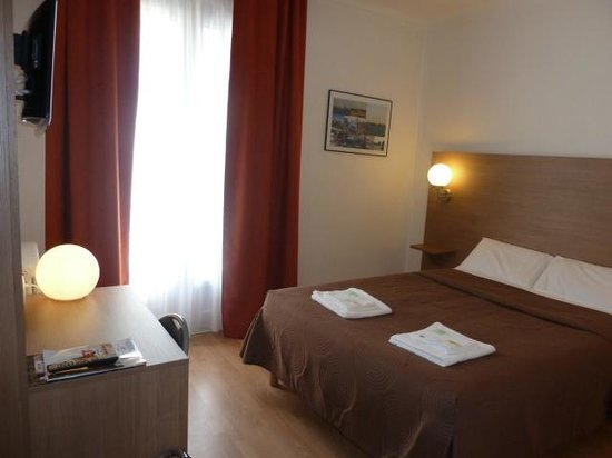 Photo of Hotel La Luna St-Nazaire