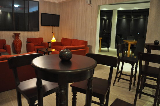 suave restaurant lounge picture of bella casa hotel suites monrovia tripadvisor. Black Bedroom Furniture Sets. Home Design Ideas