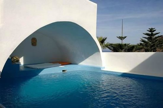 Photo of Georgis Apartments Oia