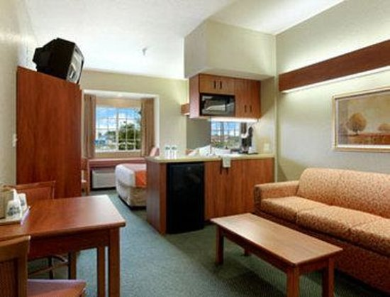 Photo 1 Microtel Inns And Suites Zephyrhills