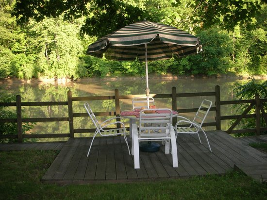 A B&B at The Edward Harris House Inn: View of the river in the summer