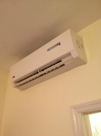 The Clay Hotel: My A/C was quiet and worked just fine.