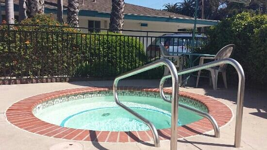 Days Inn - Santa Barbara: Jacuzzi
