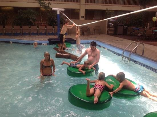 BEST WESTERN PLUS Ramkota Hotel: rope obstacle course