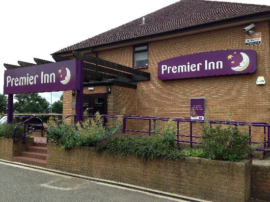 ‪Premier Inn Northampton West - Harpole‬