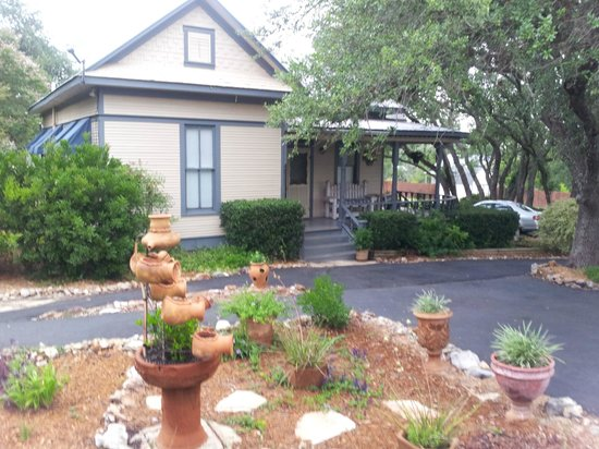 Photo of Acorn Hill Bed and Breakfast New Braunfels