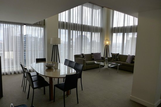 3 Bedroom Deluxe Penthouse Picture Of Adina Apartment Hotel Melbourne Melbourne Tripadvisor