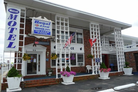 Photo of Royal Crest Motor Inn Hampton