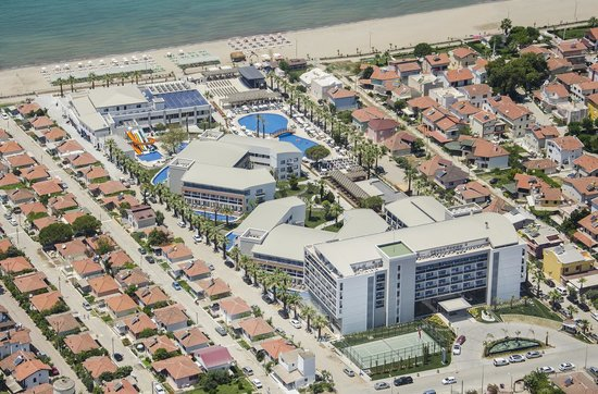 Bird 39 s eye view picture of palm wings beach resort for Buro rent garges les gonesse