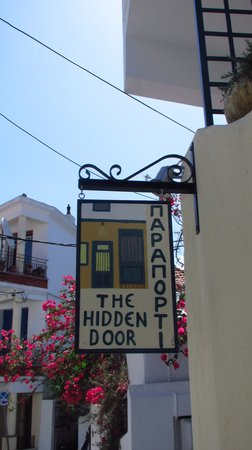 Paraporti -The Hidden Door