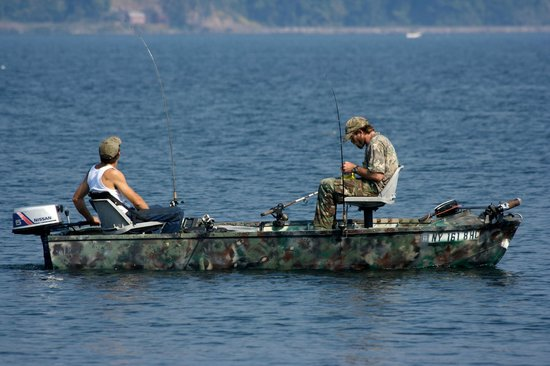 Boat fishing picture of cayuga lake ithaca tripadvisor for Finger lakes fishing report