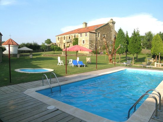 Pazo do souto hotel carballo a coru a ve 72 opiniones for Piscina carballo