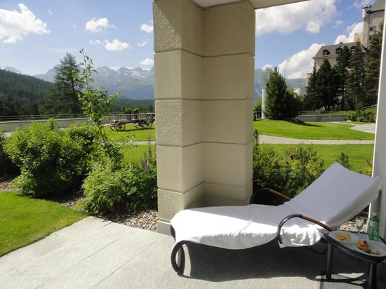 Grand Hotel Kronenhof: pato, corner deluxe room 154, new wing