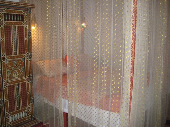 himmelbett picture of riad ifoulki marrakech tripadvisor. Black Bedroom Furniture Sets. Home Design Ideas