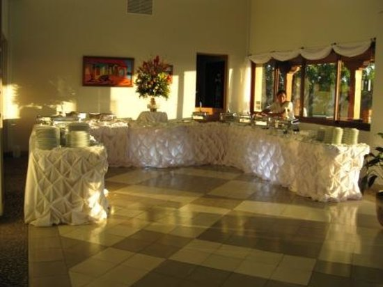 Villas de Palermo Hotel & Resort: Our dining room will transform your special occasion