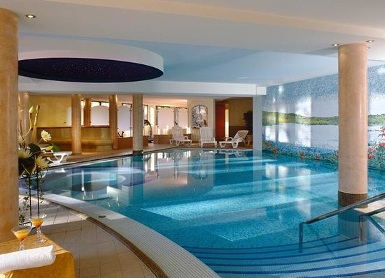 Ext rieur picture of hotel spa restaurant domaine du for Piscine spa alsace