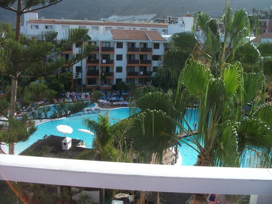 From rooftop picture of globales aparthotel tamaimo for Aparthotel jardin tropical
