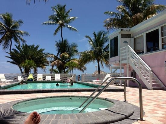 Pool and spa at rainbow bend picture of rainbow bend for Florida keys fishing resorts