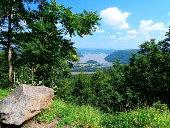 Where Is Bear Mountain Located http://www.tripadvisor.com/LocationPhotos-g47292-w3-Bear_Mountain_New_York.html