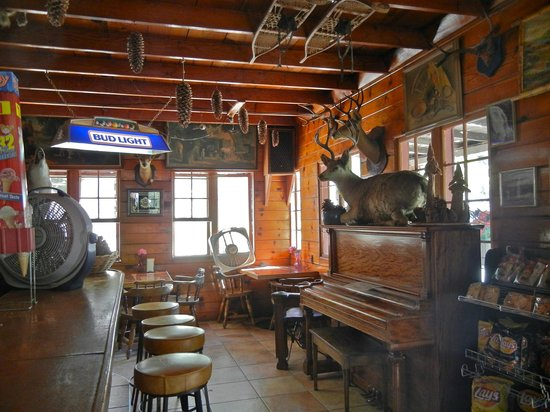 Kings Canyon Lodge: 3. Lodge with historical artifacts, tables, and piano