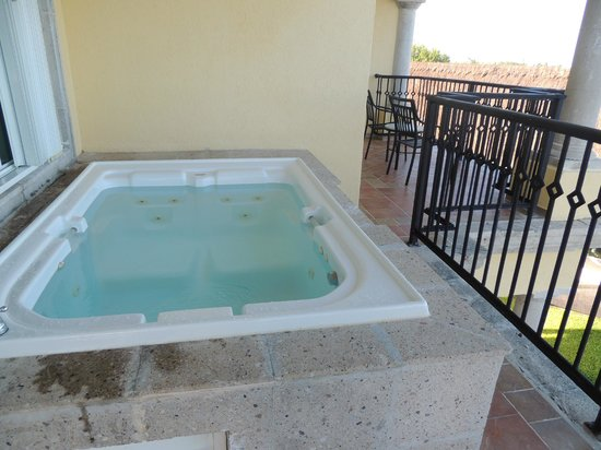 balcony jacuzzi picture of hotel marina el cid spa beach resort puerto morelos tripadvisor. Black Bedroom Furniture Sets. Home Design Ideas