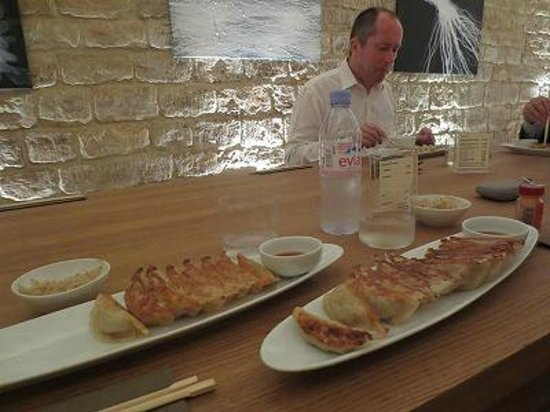gyoza bar picture of gyoza bar paris tripadvisor. Black Bedroom Furniture Sets. Home Design Ideas