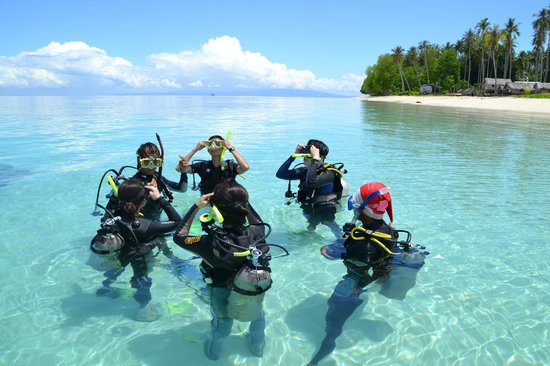 Borneo Speedy Dive