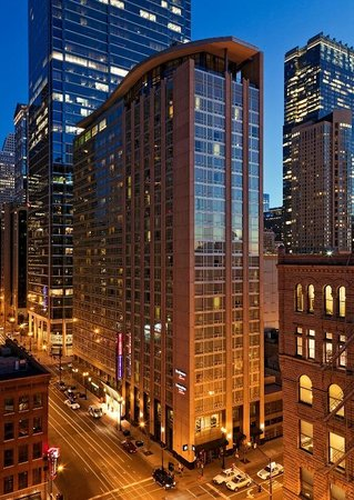 ‪Springhill Suites Chicago Downtown / River North‬