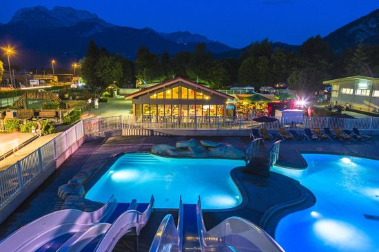 Camping international du lac d 39 annecy saint jorioz haute for Camping savoie avec piscine