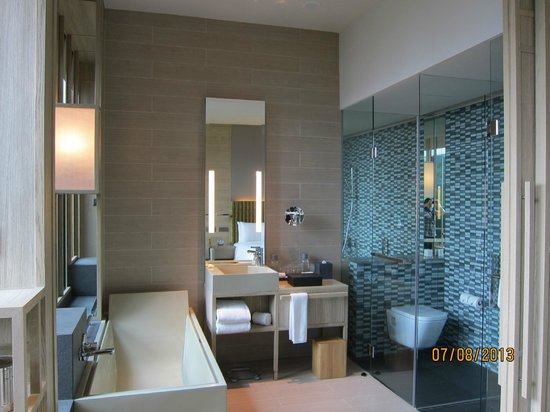 Modern design bathroom amazing picture of parkroyal on pickering singapore tripadvisor Modern bathroom design singapore