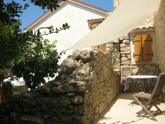 Susak bed and breakfasts