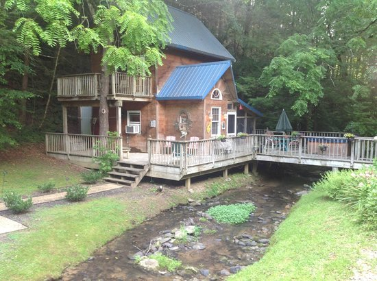 Stonecreek cabins for Deals cabins gatlinburg tn