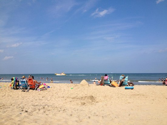 View of beach morning of shriner 39 s parade picture of for Best western virginia beach