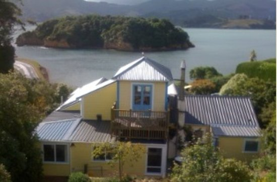 Photo of Yellow House Bed & Breakfast Dunedin
