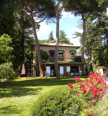 Photo of Hotel Kursaal Umbria Passignano Sul Trasimeno