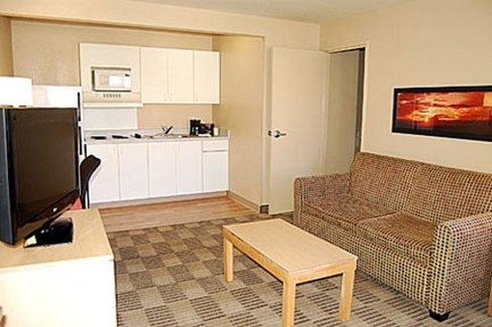 2 bedroom suite 1 king bed picture of extended stay america las vegas valley view las for Extended stay america one bedroom suite