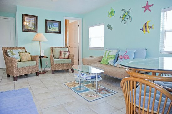 Coral Resort Condominiums: Love the decorations and wall color, comfy chairs, Unit C-4