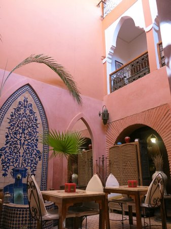 Riad Jonan: First floor balconies